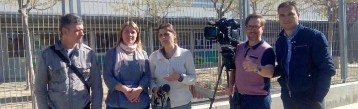 Mares de l'escola a TV3 per reivindicar el pagament de les prestacions pendents per fill a càrrec