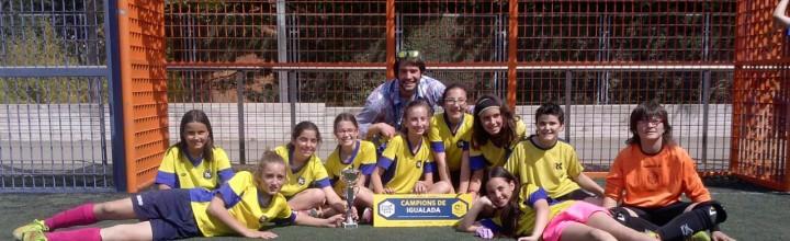 Vint alumnes alevins de l'escola, van participar al Campionat comarcal Cruyff Courts, al Xipreret
